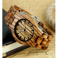 Drevené náramkové hodinky vyrobené z prírodných materiálov. Hodinky pre muža aj ženu.