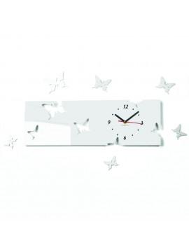 Nástenné hodiny plexisklo motýl SNIEŹKO . Farba biela. Rozmer  60 x 49 cm