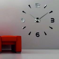 Nátenné hodiny ate čierne