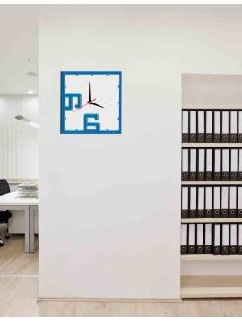 Farebné plastové hodiny na stenu - NORMA, farba: modrá, svetlá modrá, biela