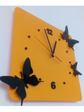 Hodiny na stenu plexisklo. Farba žltá, čierne motýle. Rozmer  30 x 30 cm MLYNAR
