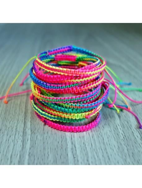 Pletený náramok zo šnúrky - farebná dúha