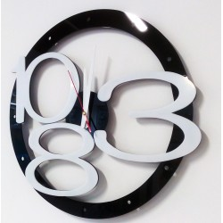 Moderné nástenné hodiny dizajn exclusive farba:čierna,biele čísla,farba ručičiek:biela LUXUS