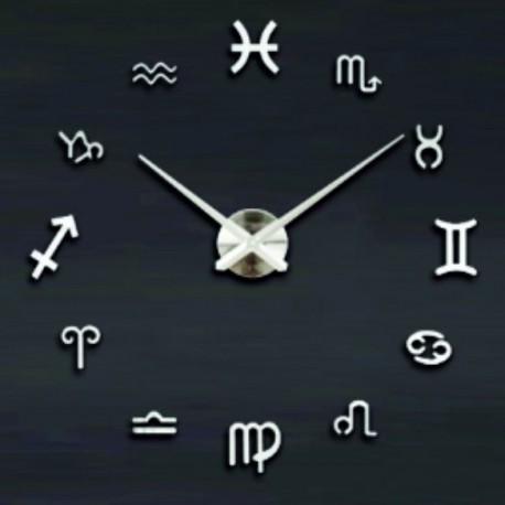 Velké nástenné hodiny svieži vánok . Strieborné zrkadlové .
