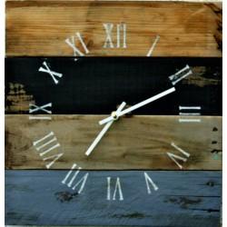 Drevené hodiny rustikálne na stenu  ROMAN