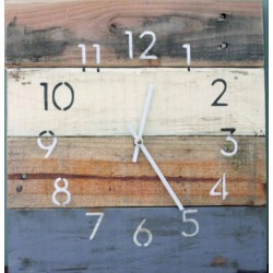Nástenné hodiny z prírodného dreva custom .
