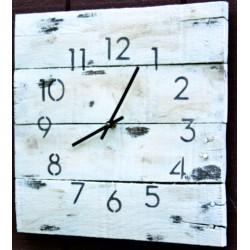 Drevené hodiny na stenu  poklad na striebornom jazere