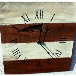 Drevené hodiny  na vašu chatu gaštan