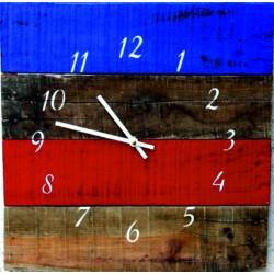Drevené hodiny  farebné kultivované na stenu .