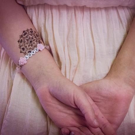Náramok na ruku - LOVE